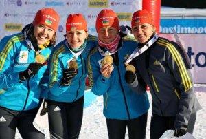 Наш золотой квартет (слева направо): Юлия ДЖИМА, Наталия БУРДЫГА, Валя СЕМЕРЕНКО, Ирина ВАРВИНЕЦ