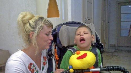 Сашенька БОНДАРЕНКО и его заботливая мама